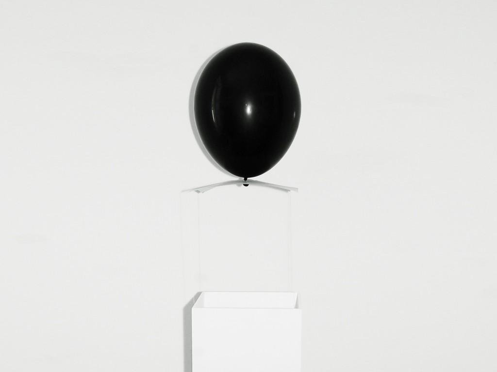 0gms sculpture for 0 buget exhibtion - STEVEN GUERMEUR
